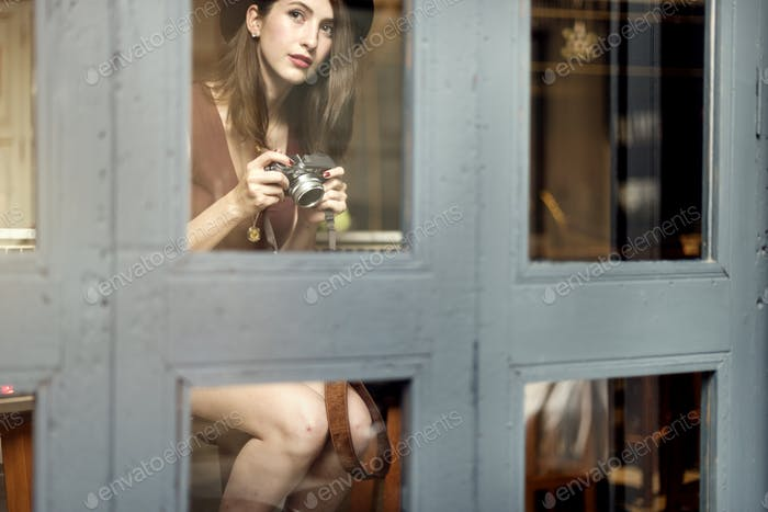 Модные Женщина Питьевая Коктейль Концепция