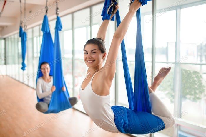 Yoga positivo del cuerpo