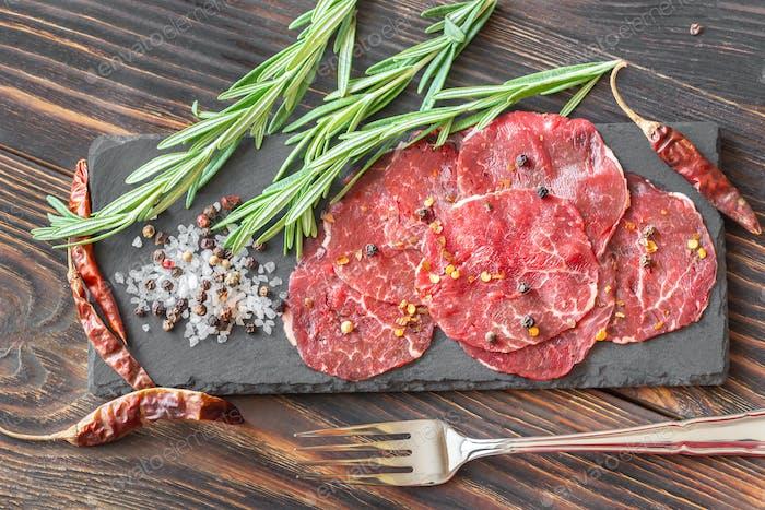 Carpaccio with seasonings