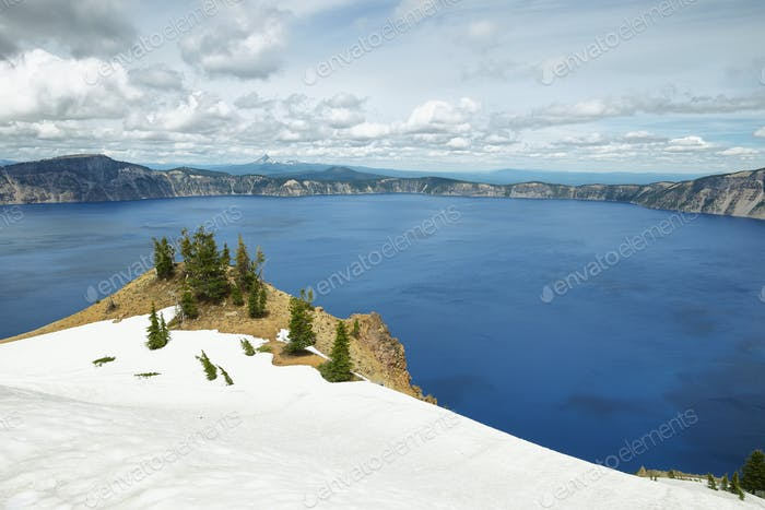 Crater lake views hiking to Garfield peak