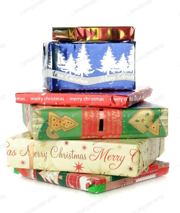 Ein Haufen Weihnachtsgeschenke