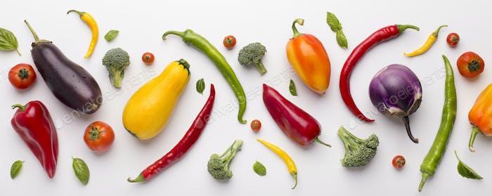 Sortiment von frischem Gemüse für gesunde Ernährung auf weiß