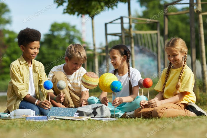 Kids Planning Group Project for Astronomy Lesson