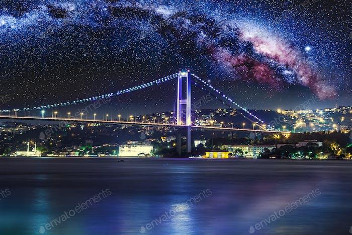 Bosporusbrücke bei Nacht, Istanbul