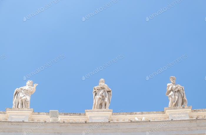 St. Peter's Square colonnades' sculptures