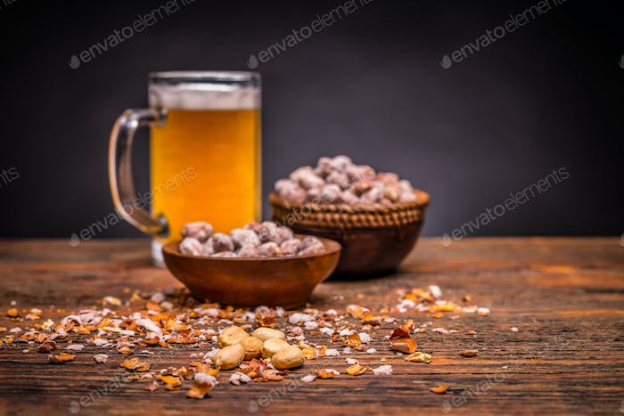 Beer and salted peanuts