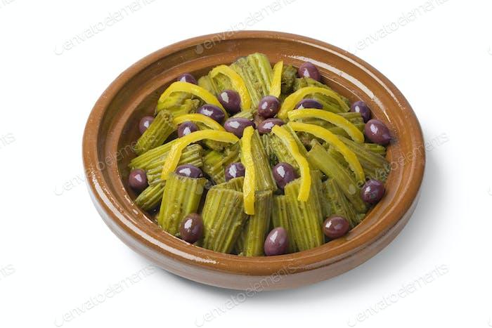 Marokkanische Tajine mit Kardoon, Oliven und Zitrone