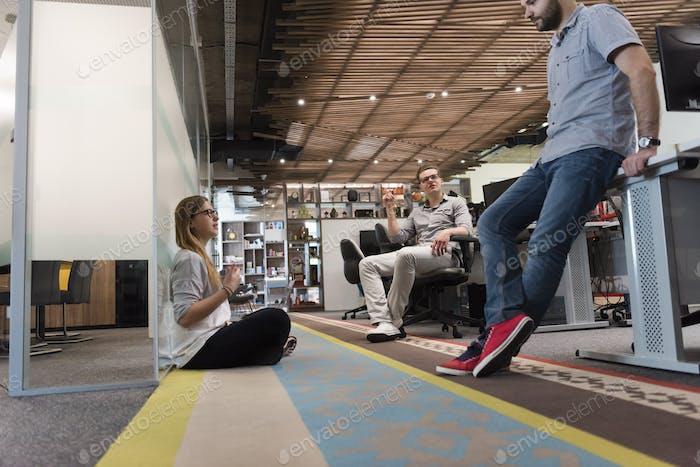 everyday team meeting and brainstorming