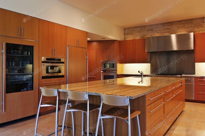 Large Kitchen, Island