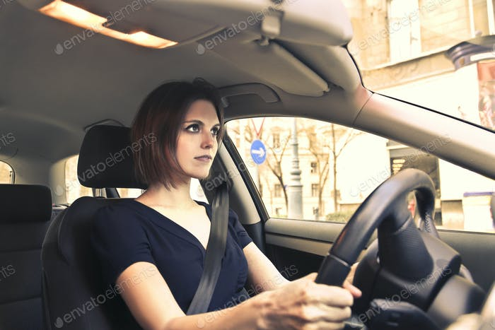 Frau Autofahren