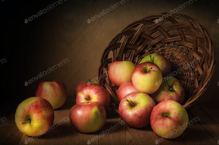 verstreute Äpfel