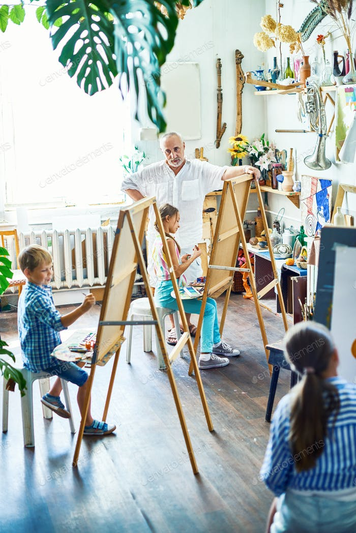 Drawing Class for Gifted Pupils