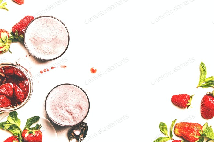 Strawberry dairy smoothies with jam