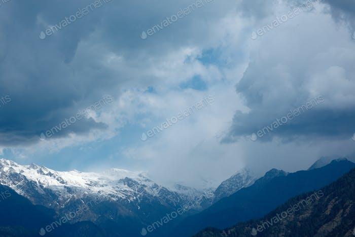 Wolken über dem Himalaya