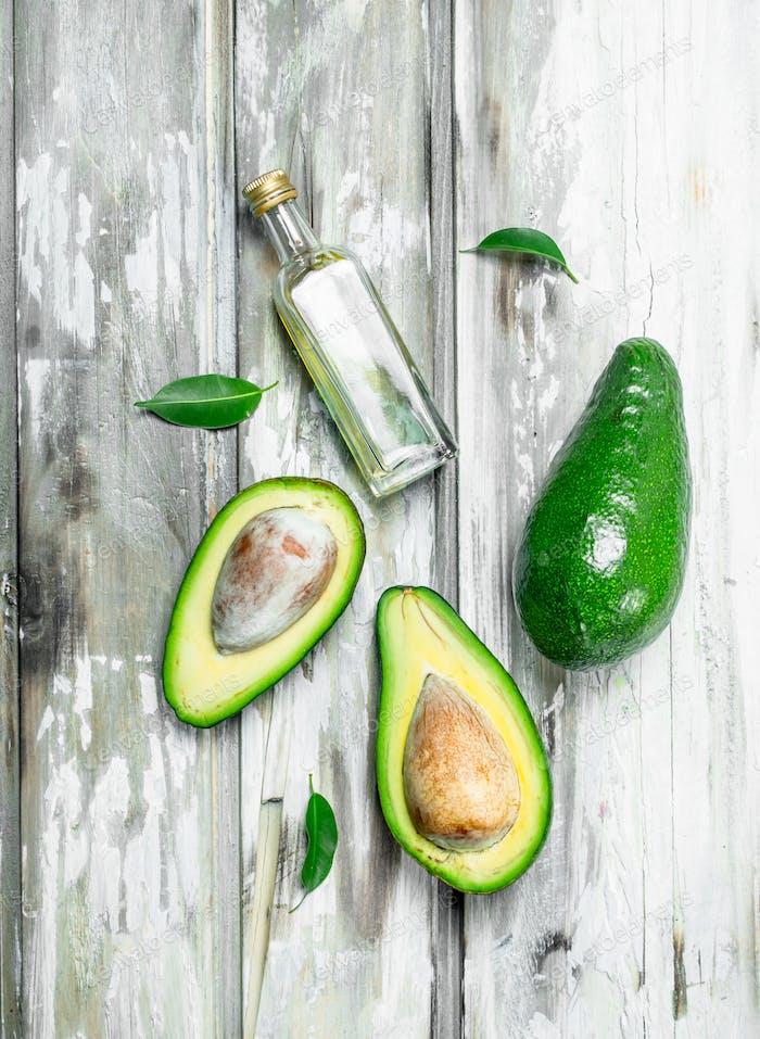 Avocado oil and avocado slices.