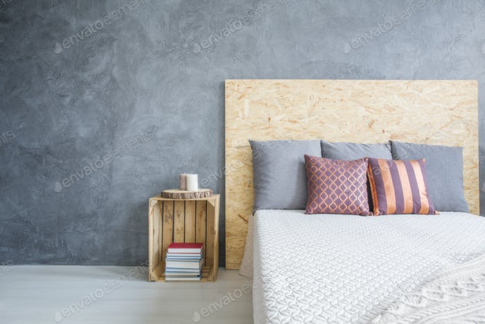 Room with eco, OSB bed