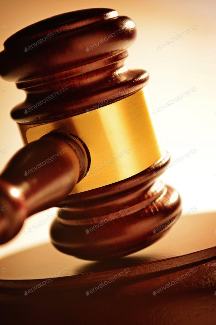 Juez o subastador martillo