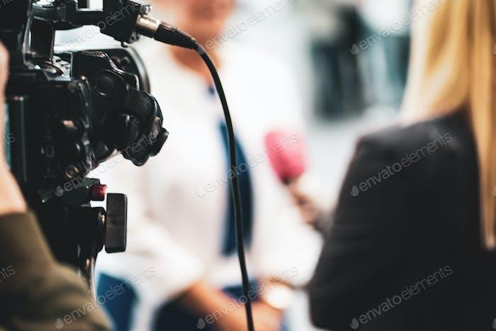 Entrevista a Medios de comunicación de comunicación