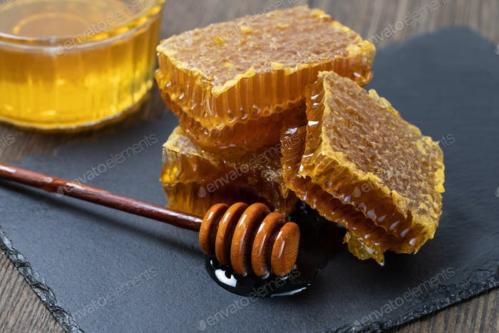 Honey and Honeycomb slice