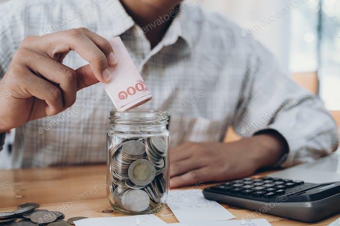 Concepto de negocio y ahorro de dinero.