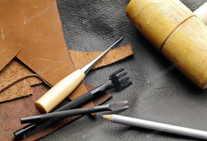 Lederhandwerk-Ausrüstung