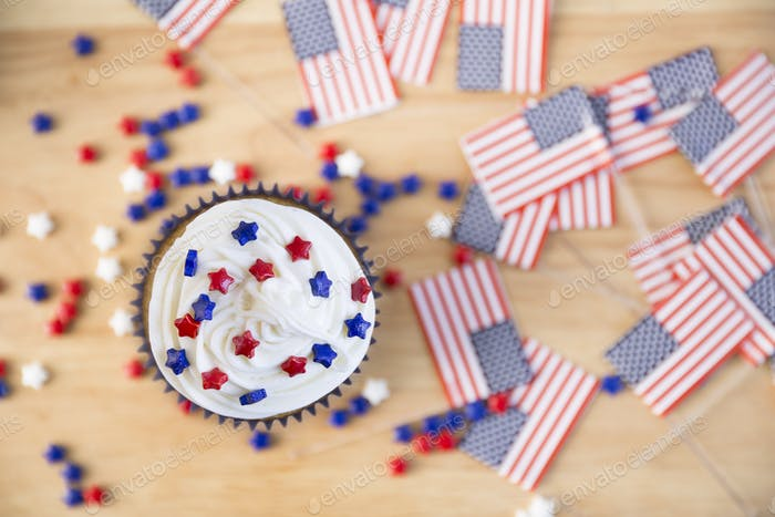 Patriotic Cupcake and Flags