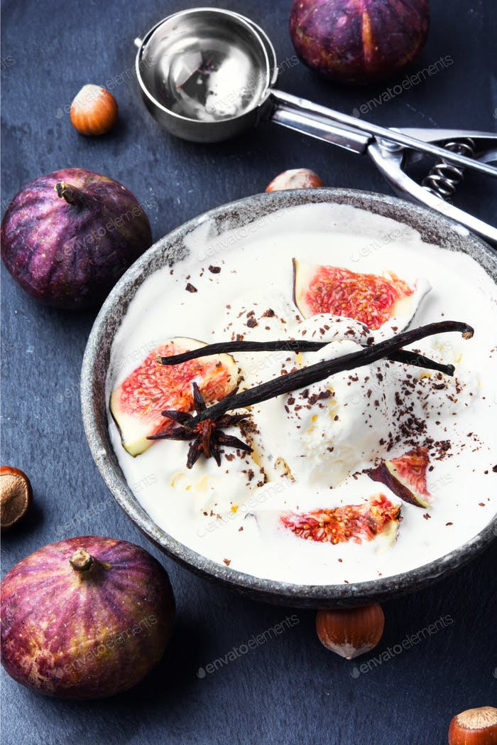 ice cream with figs