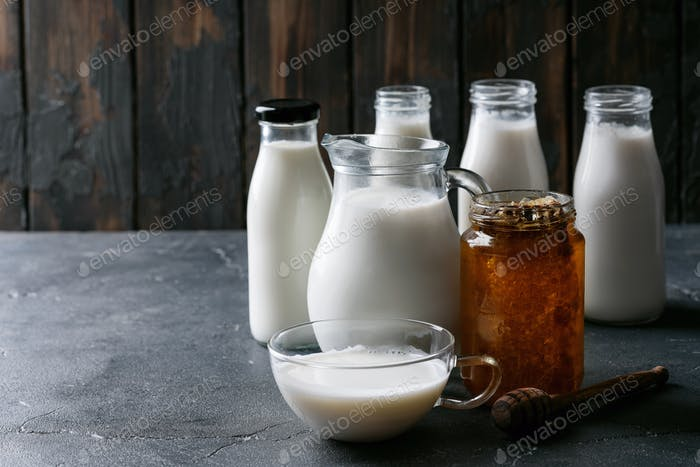 Fresh milk with honey