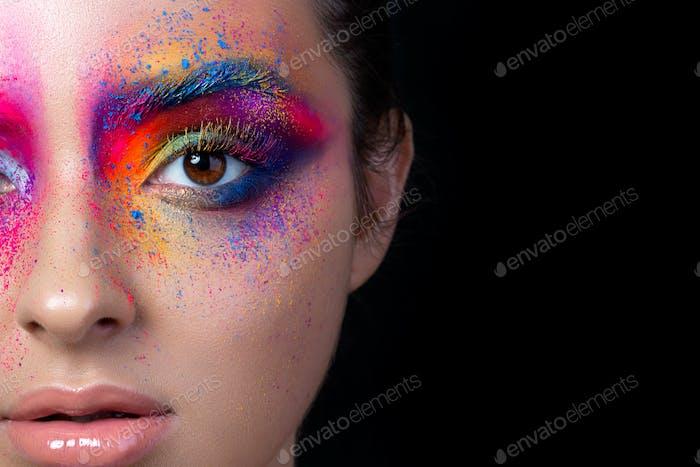 Nahaufnahme Blick auf Gesicht mit bunten Make-up