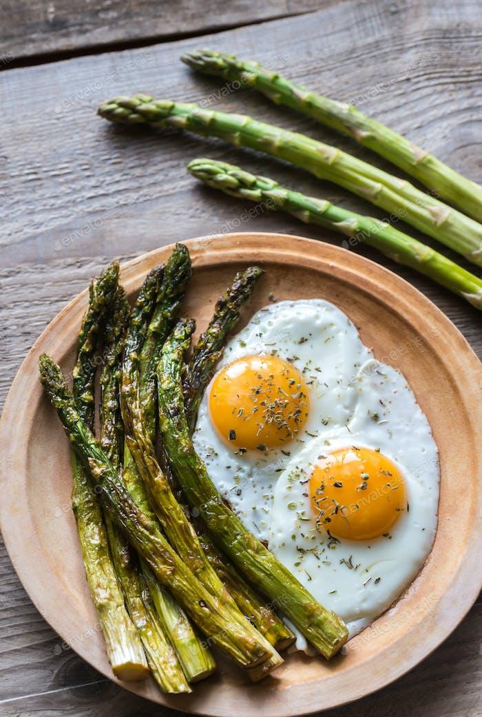 Roasted asparagus with fried eggs