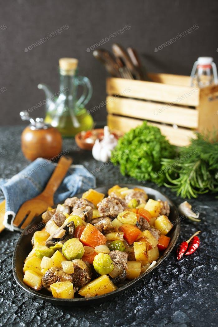vegetabkes with meatballs