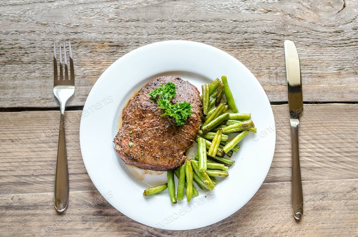 Beef Steak with green beans