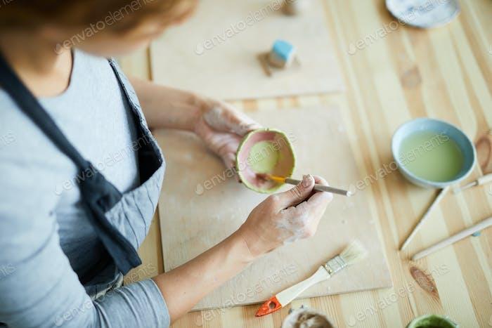 Painting earthenware