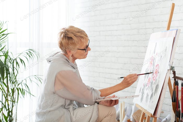 Painting woman