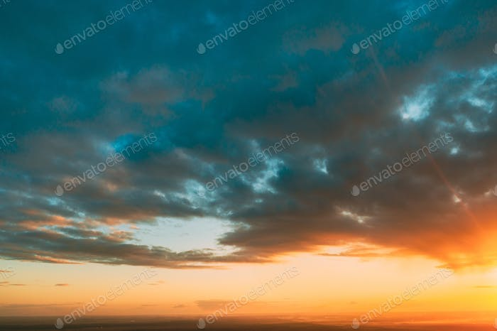 Sunrise Bright Dramatic Sky. Scenic Colorful Sky At Sunset Dawn