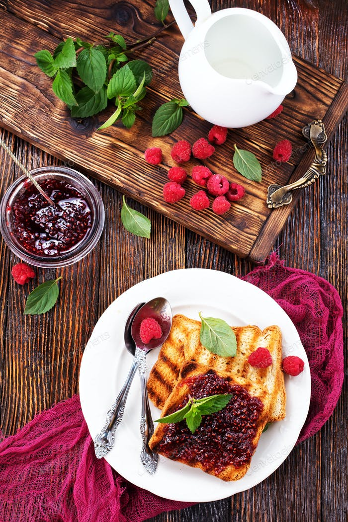 pancakes with jam