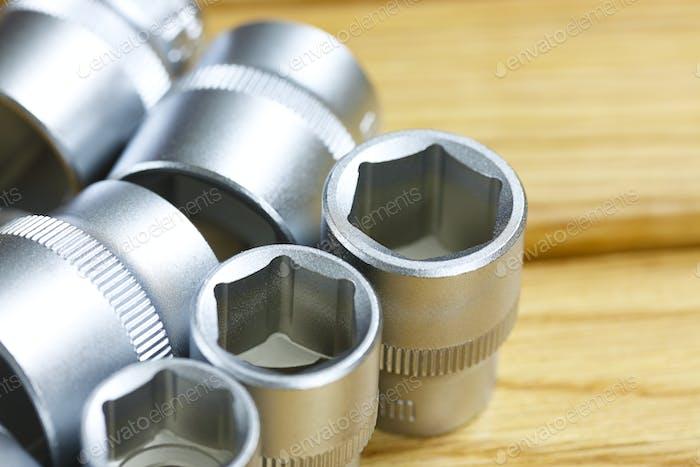 Schraubenschlüssel in der Mechaniker-Werkstatt