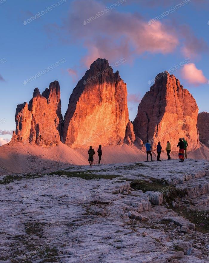 Sonnenuntergang im Tre Cime di Lavaredo Gebirge