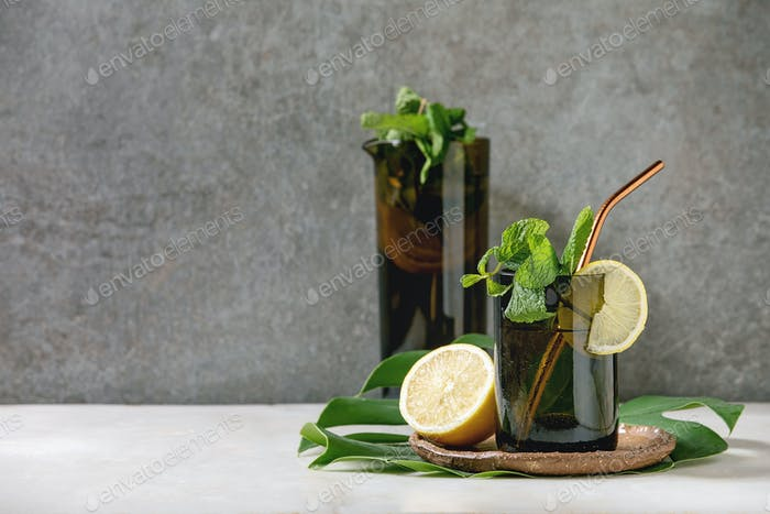 Lemon and mint lemonade