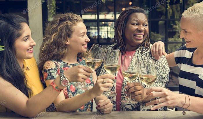 Frauen Kommunikation Gemeinsam Glückliches Konzept