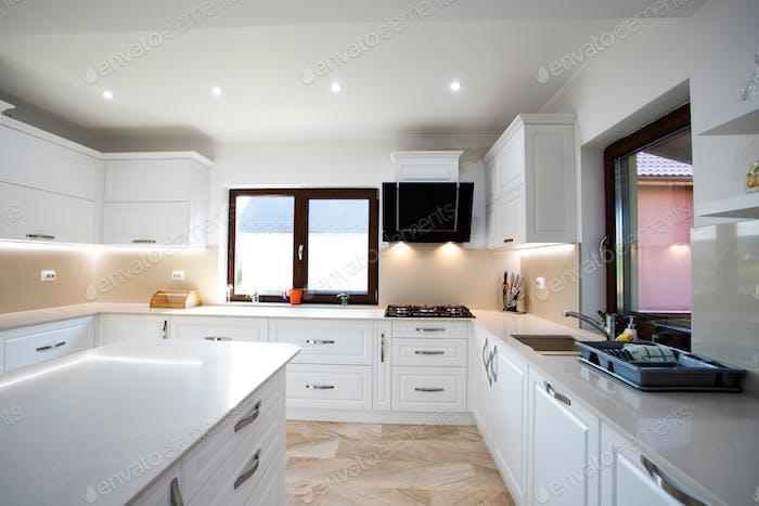 Interior de una rica cocina de la casa.