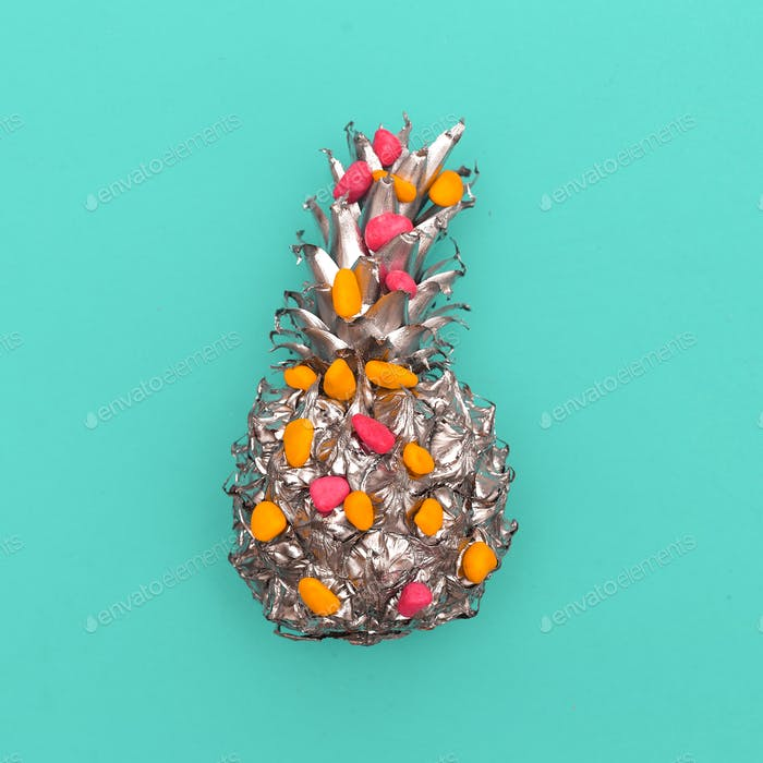 Silver Pineapple Minimal art