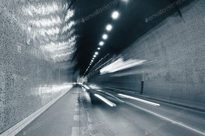 Traffic in urban tunnel