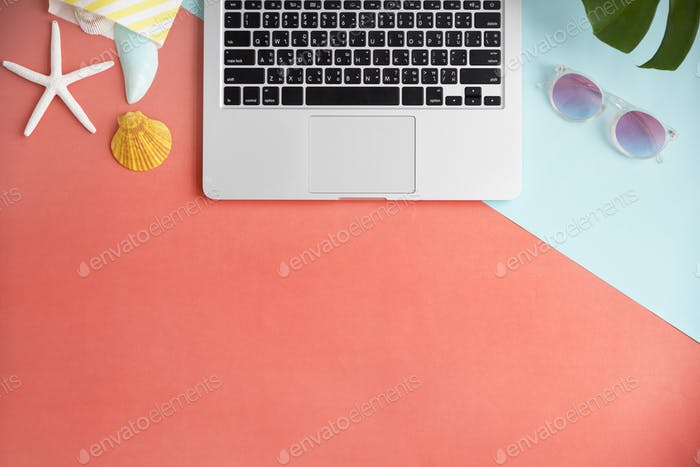 Laptop Technology Beach Summer Holiday Vacation Concept