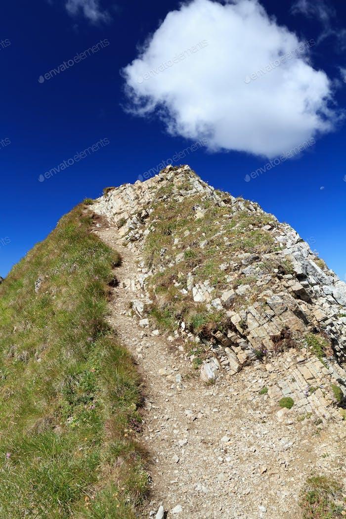 Wanderweg auf Berggipfel