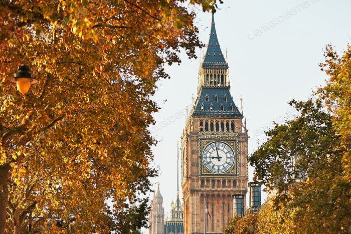 Big Ben in sunny autumn day