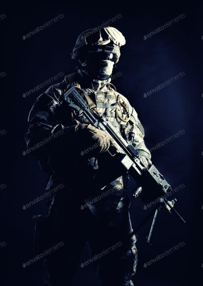 United States Marines Maschinengunner Nachtschuss