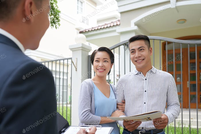 Meeting with estate agent