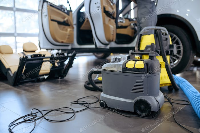 Vacuum cleaner, dry cleaning and detailing servise