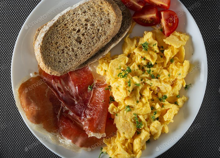 Fresh omelette with ham